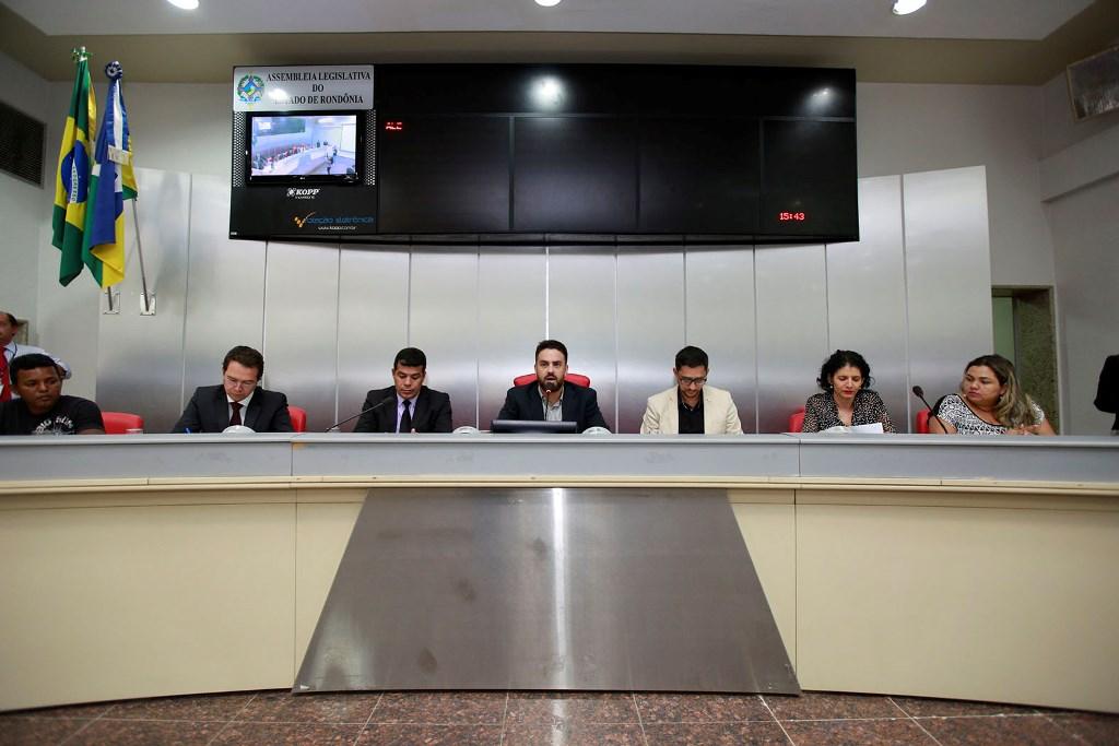 Audiência debate convocação de aprovados em concurso público para socioeducadores