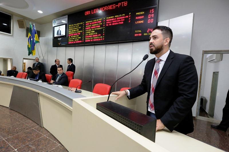 """Deputado quer audiência pública para discutir jogo mortal """"Baleia Azul"""""""