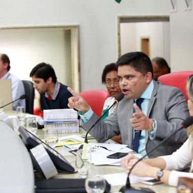 Enfrentamento da dependência química debatido em audiência pública