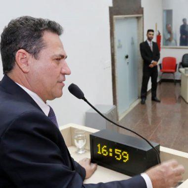 Maurão de Carvalho requer homenagem ao governador Confúcio Moura