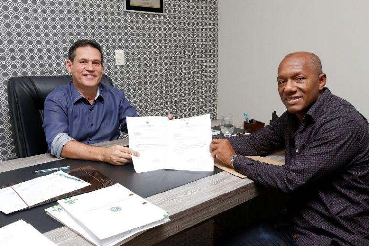 Vice-prefeito de Guajará-Mirim confirma Patrulha Mecanizada do DER para obras na cidade