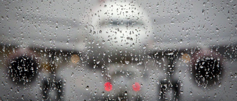 Avião da Chape muda plano de pouso por causa do mau tempo no RS