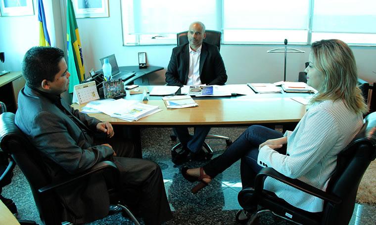Casa Civil confirma convocação de aprovados após reunião com deputado Jesuíno e vereadora Ada Dantas