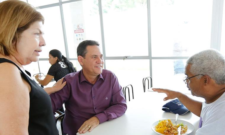 Maurão de Carvalho conhece estrutura do Restaurante Prato Cheio, na capital