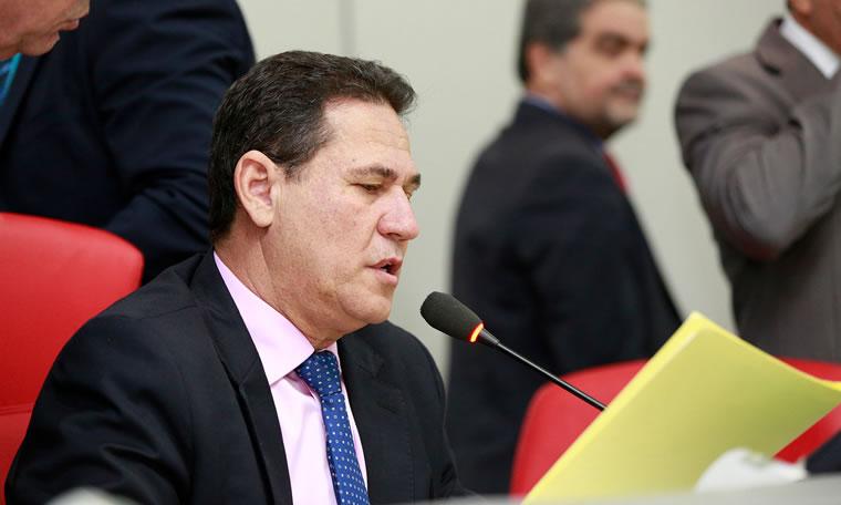 Maurão pede Projeto de Lei sobre cedência de servidores do Estado à entidades carentes
