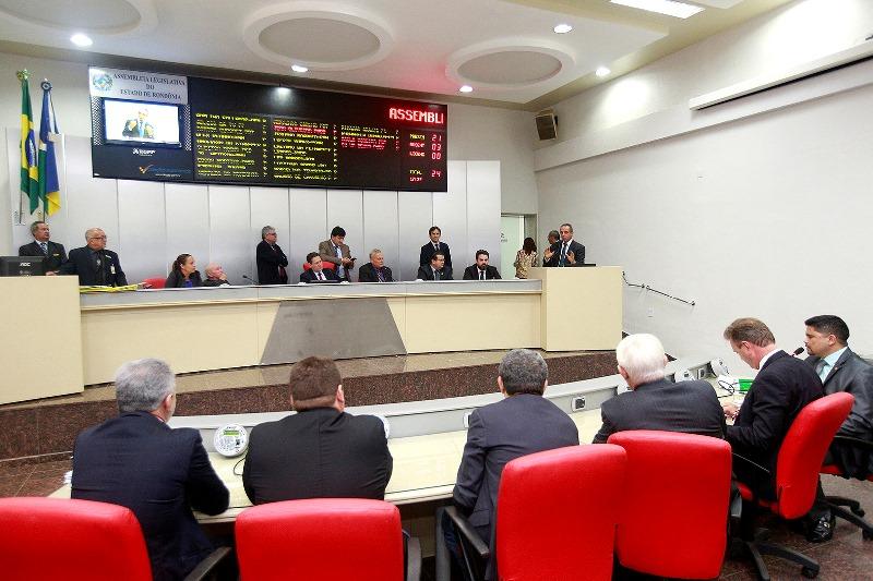 Projetos alteram exigências para ingresso de oficiais e soldados na PM