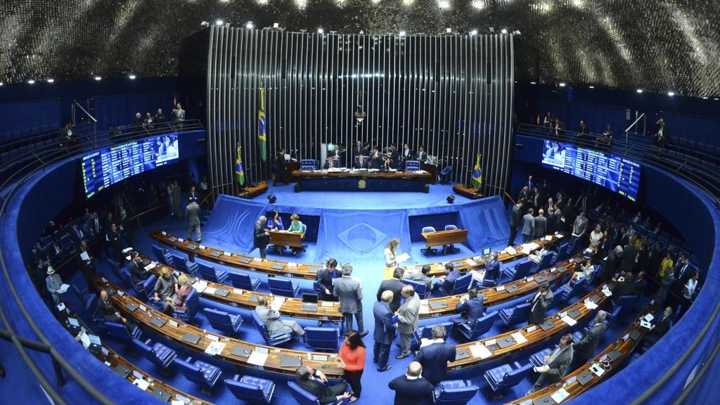 Senado aprova em 2º turno PEC que acaba com foro privilegiado