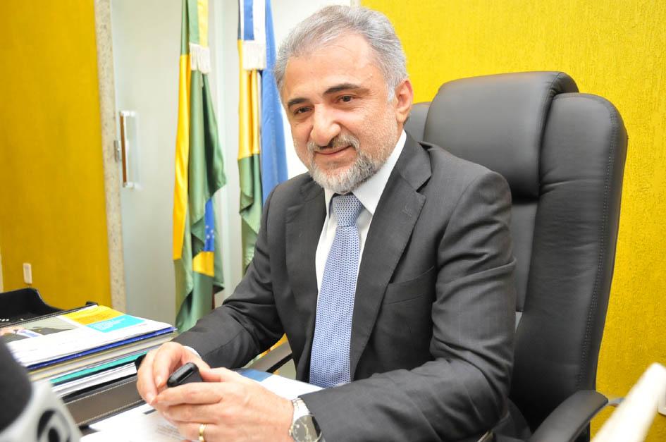 Deputado Hermínio Coelho se defende sobre operação do Ministério Público