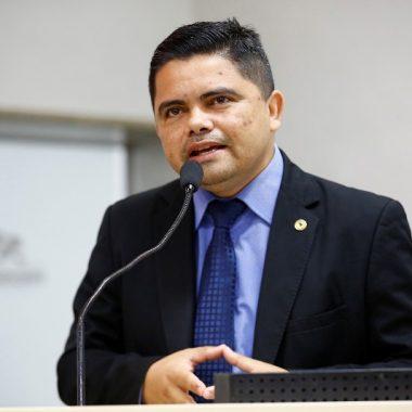 Deputado Jesuíno Boabaid requer pavimentação asfáltica em municípios