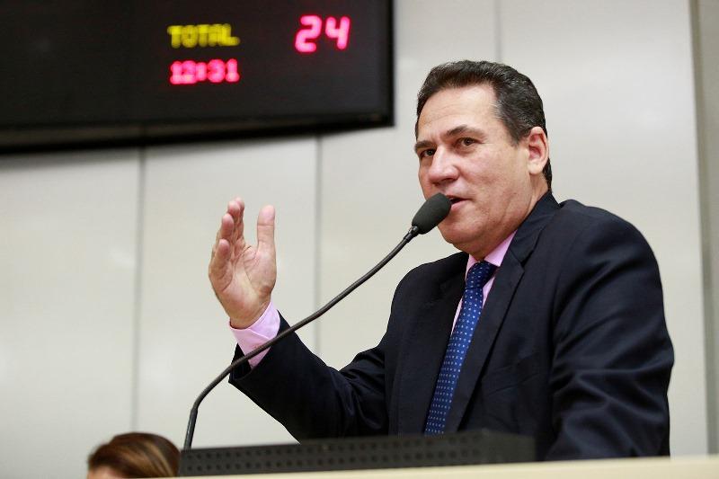 Deputado Maurão altera texto de emenda à Constituição