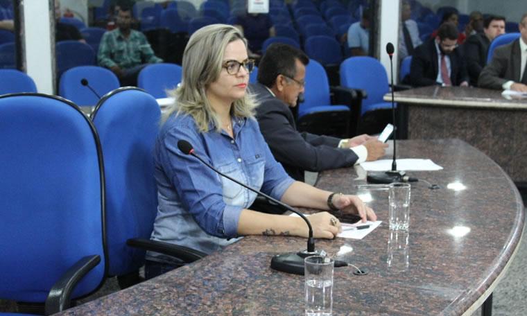 SEMÁFORO - Vereadora Ada Dantas pede instalação na Calama com Mamoré
