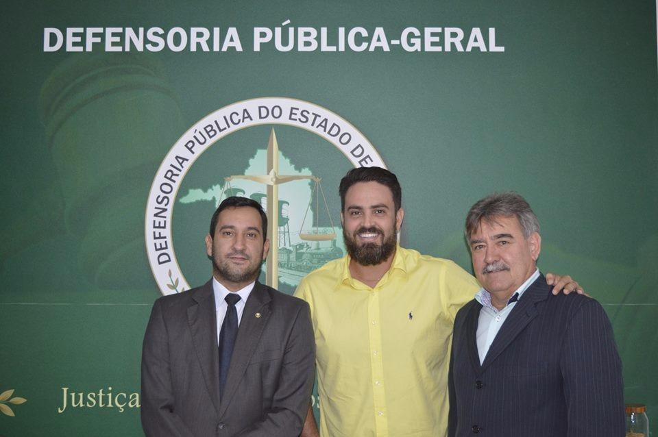 Léo Moraes pede prorrogação do concurso da Defensoria Pública do Estado