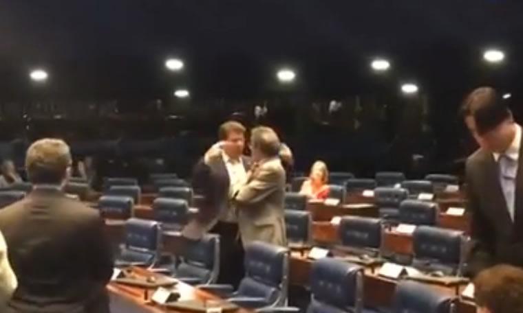 """TENSÃO – """"Toma vergonha rapaz', diz Cassol duramente bate boca no senado que quase terminou em pancadaria"""
