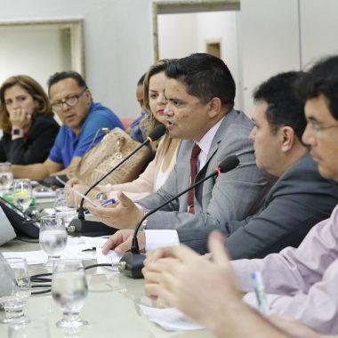 Lei de deputado Jesuino que garante cirurgião dentista em UTI já está em vigor