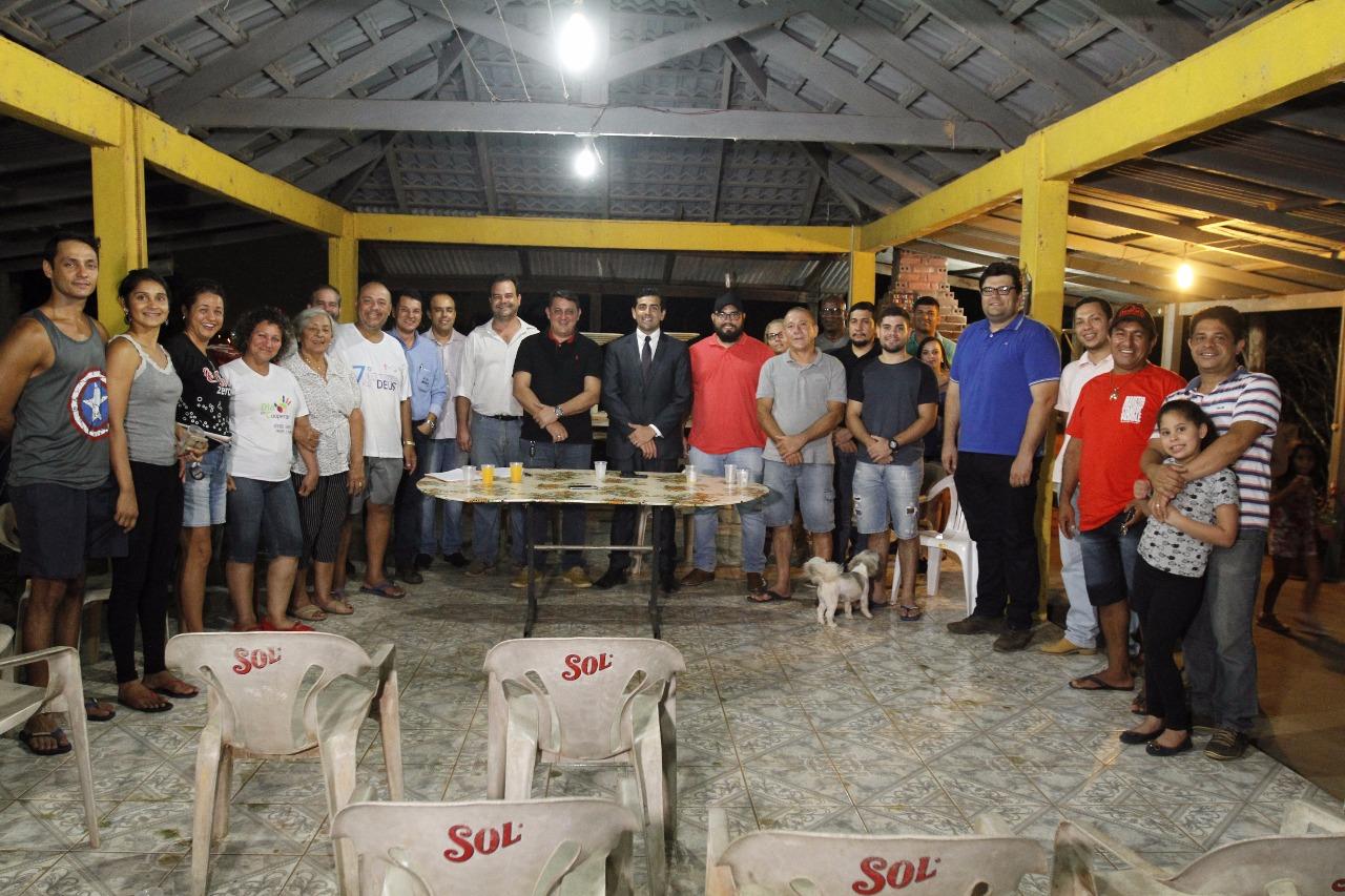 Junior Cavalcante tem pedido atendido de iluminação pública no rancho Maritana