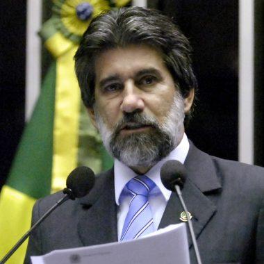 LAVA JATO – Ministro Fachin manda bloquear apartamento do senador Valdir Raupp