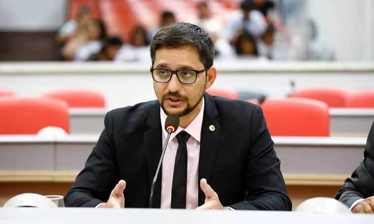 "Anderson do Singeperon parabeniza TRE por projeto ""Patrulha Eleitoral"""