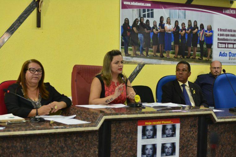 Vereadora Ada Dantas Boabaid debateu Audiência Pública referente a violência contra a mulher