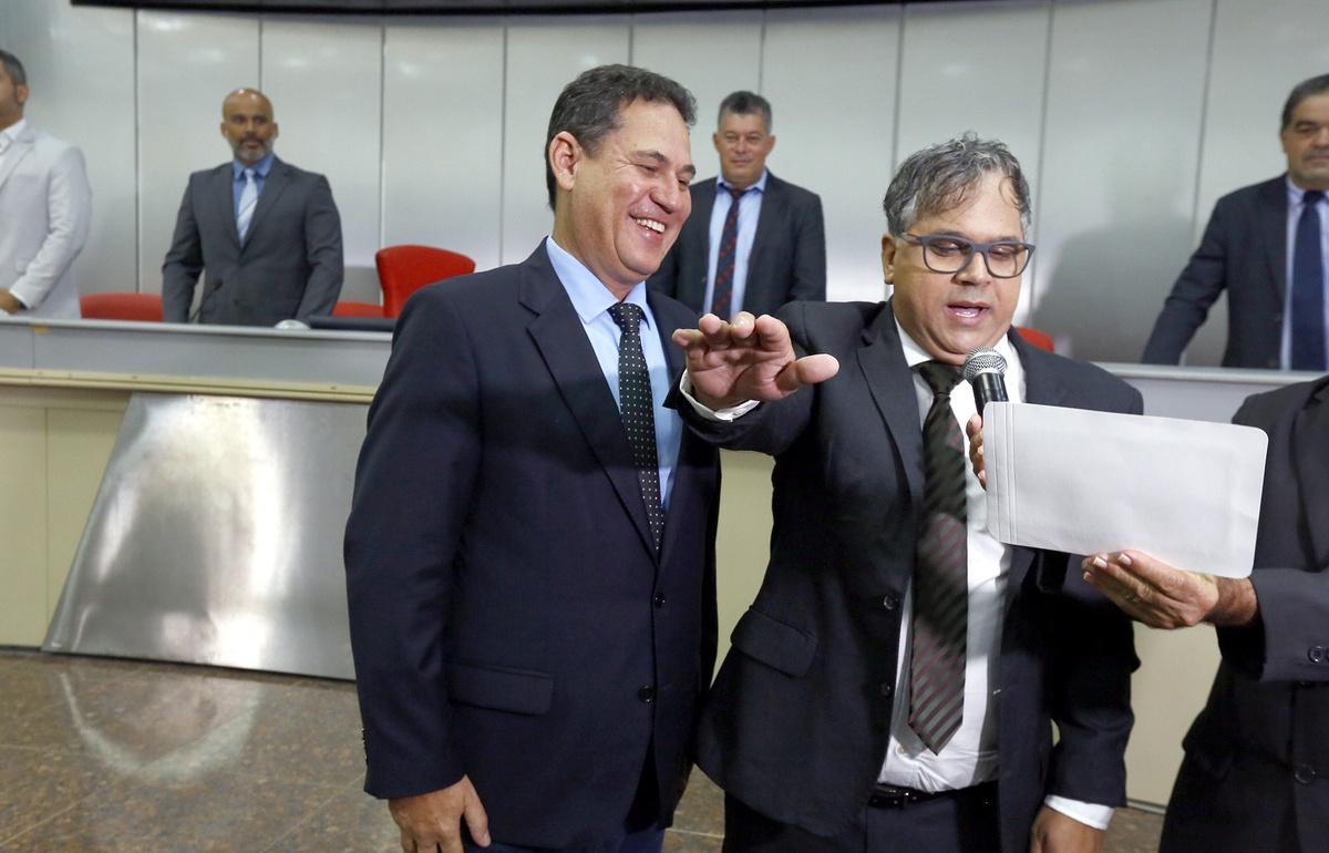 ABERTA – Dono da cadeira de ex-deputada Glaucione será decidido no TRE/RO