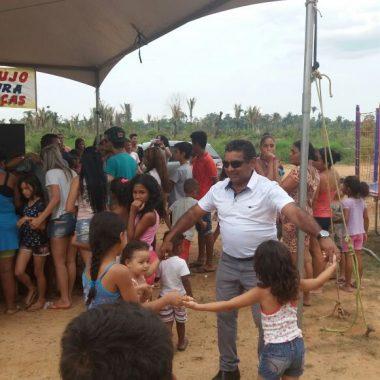 INICIATIVA – Zequinha Araújo promove ação social para crianças no Orgulho do Madeira