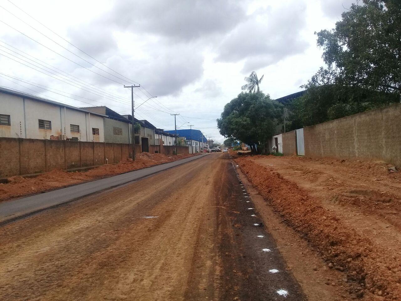 Vereadora Ada Dantas Boabaid tem pedido atendido de drenagem, asfalto para as Ruas Peroba e Pavini