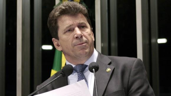 APERTOU – PGR pede prisão de senador Ivo Cassol