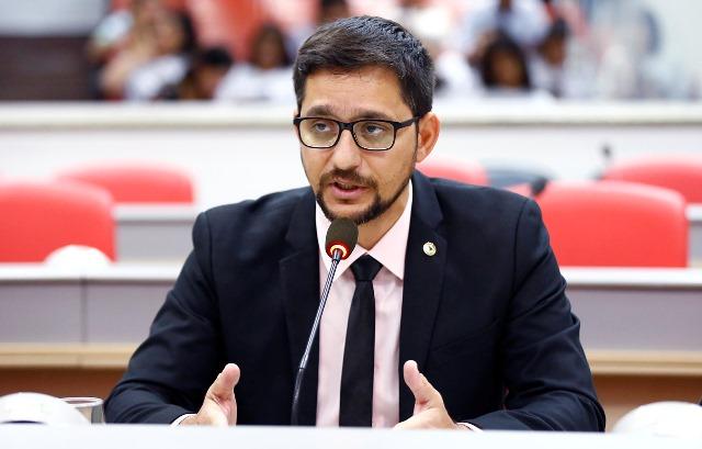 Anderson do Singeperon indica alocação no orçamento de 2018 para prédio da Emater