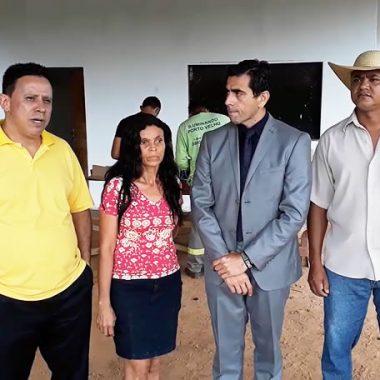 Após 15 anos comunidade Terra Santa recebe iluminação através de pedido do Edesio Fernandes