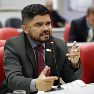 Deputado Jesuíno busca construção de unidades de saúde, mas Semusa alega falta de orçamento