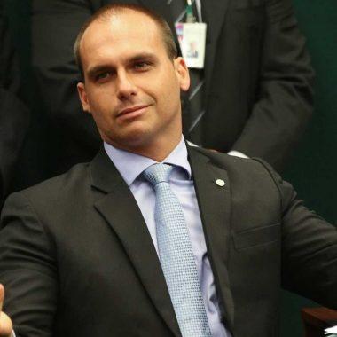 Eduardo Bolsonaro é investigado por ameaça de morte