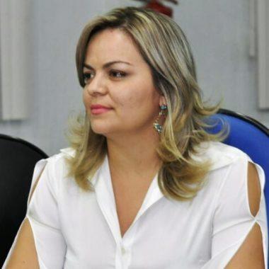 Vereadora Ada Dantas busca solução para transporte de universitários de Itapuã do Oeste