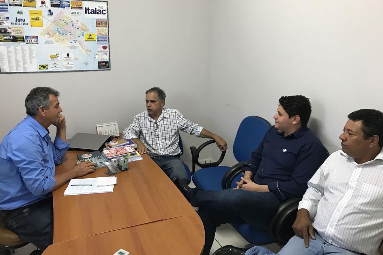 Deputado Geraldo da Rondônia destina R$ 300 mil para compra de ônibus em Jaru