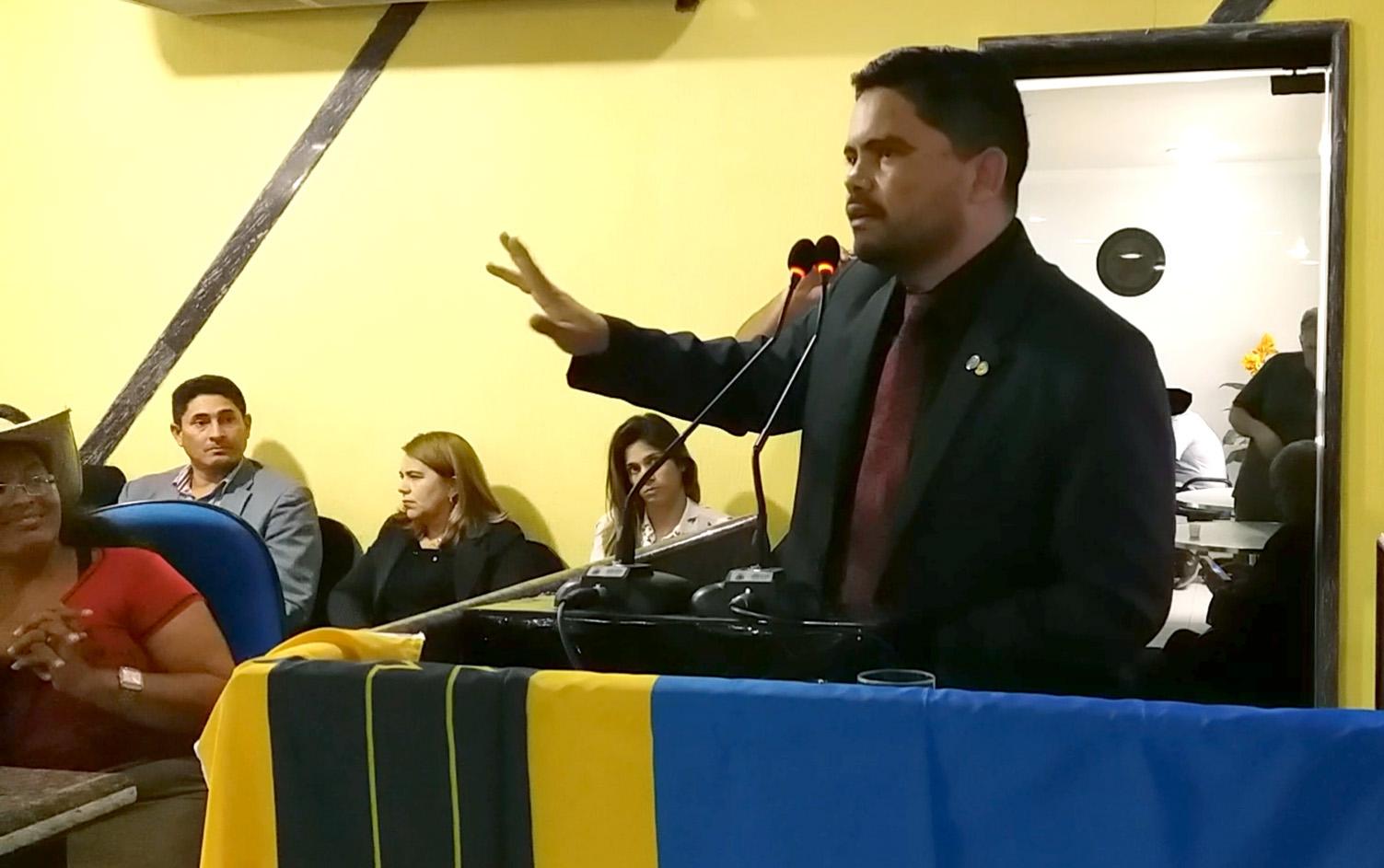 Deputado Jesuíno participa de audiência pública e culpa prefeito Hildon Chaves por negligência