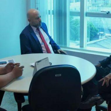 Professor Aleks Palitot propõe convênio com Semusa para atender alunos da rede municipal