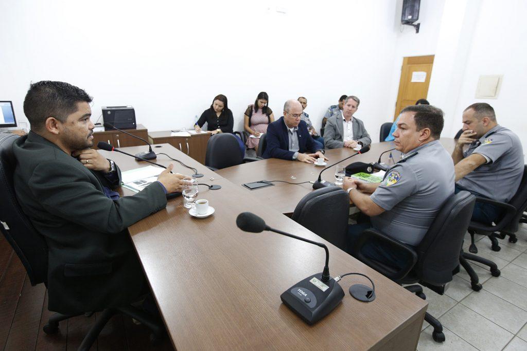 Troca de fardamento da Polícia Militar é debatida em audiência de Instrução Legislativa