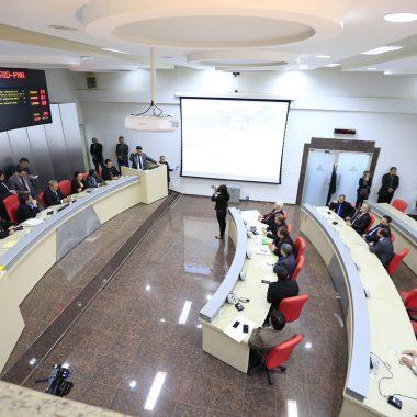 Assembleia aprova projetos que beneficiam servidores e reestruturam o Poder Executivo