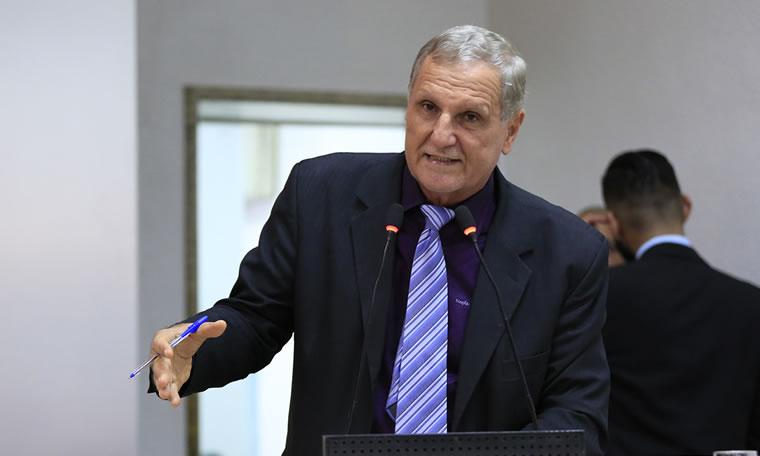 Deputado Adelino Follador destaca indignação com situação de rodovias em Rondônia