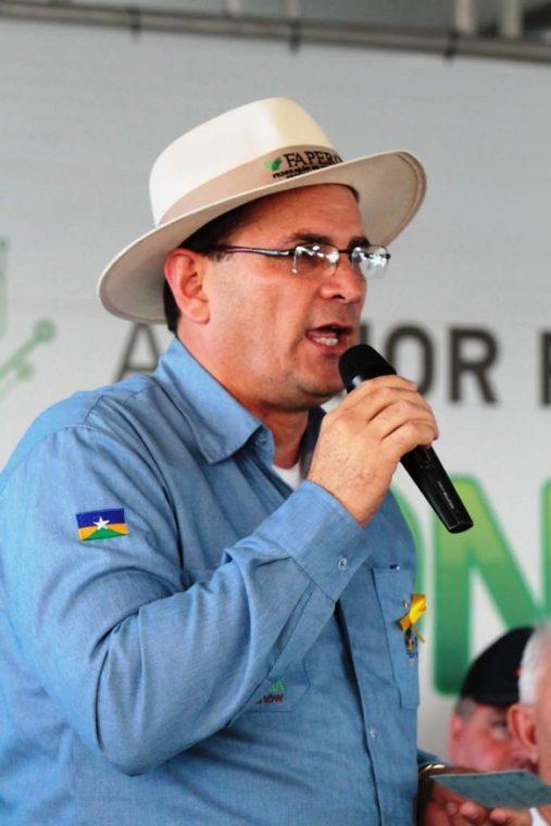 COMBUSTÍVEL – Daniel Pereira é pressionado para reduzir preço da gasolina em RO através do ICMS