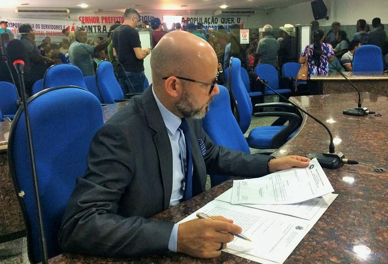 Vereador Aleks Palitot apoia redução de tarifa de iluminação