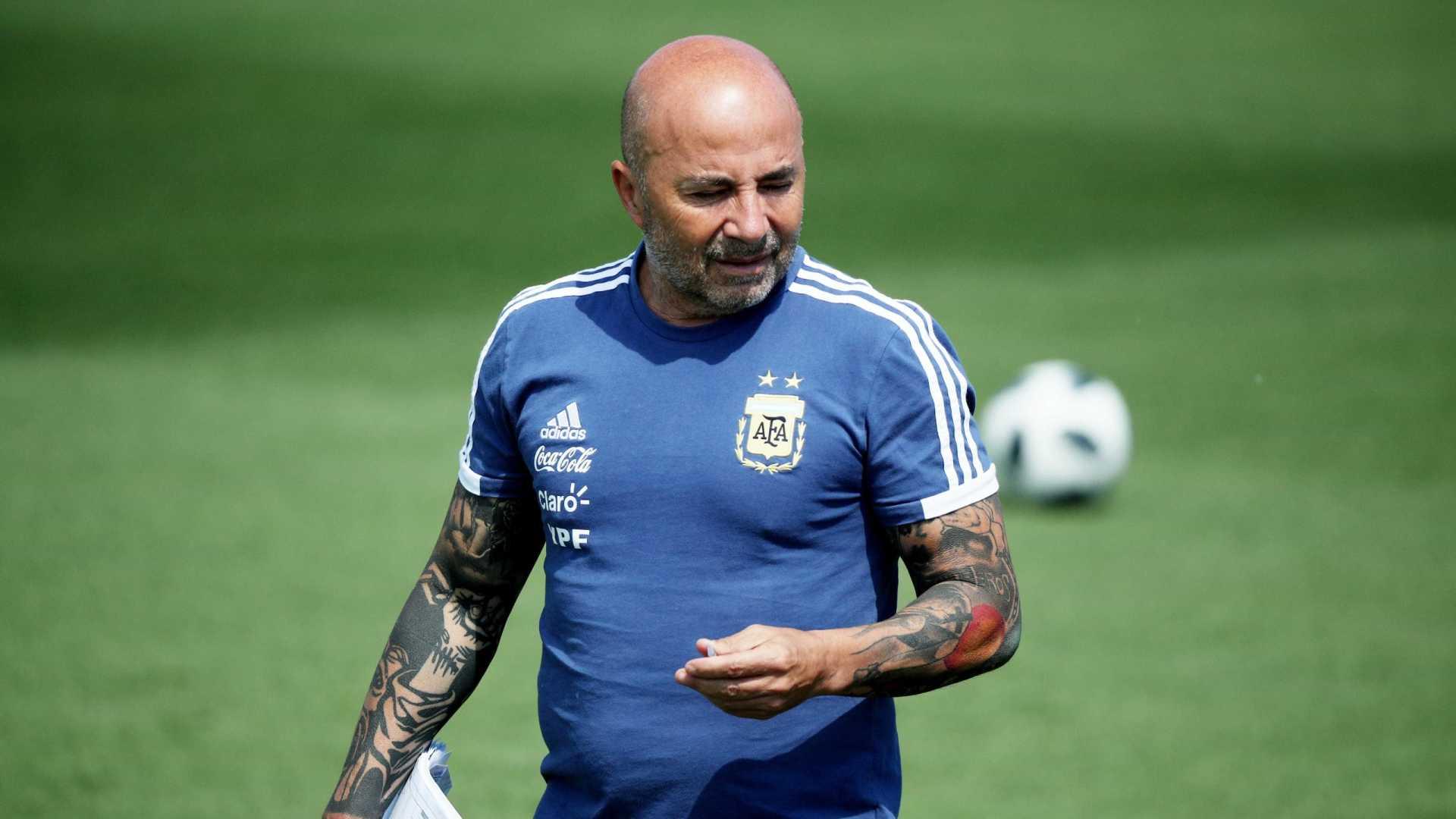 AFA anuncia a saída do técnico Jorge Sampaoli da seleção argentina