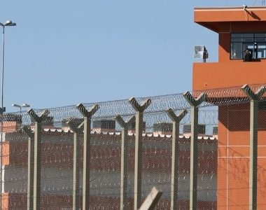 Agentes penitenciários ameaçam parar de escoltar presos federais em seus dias de folga