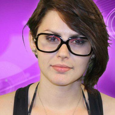 Ex-BBB Mayara Medeiros trabalha como diretora de filmes pornôs