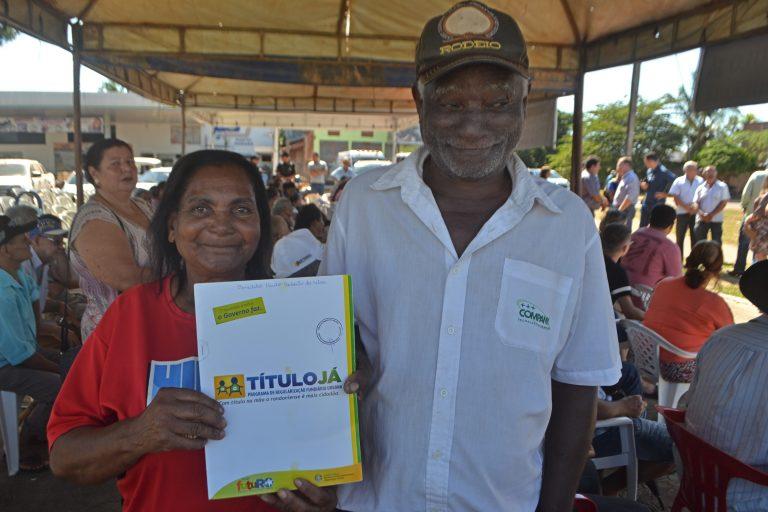 Famílias de Ouro Preto, Mirante da Serra e Urupá recebem títulos urbanos
