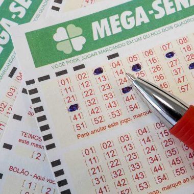 Mega-Sena acumula e deve pagar mais de R$ 60 milhões no sábado