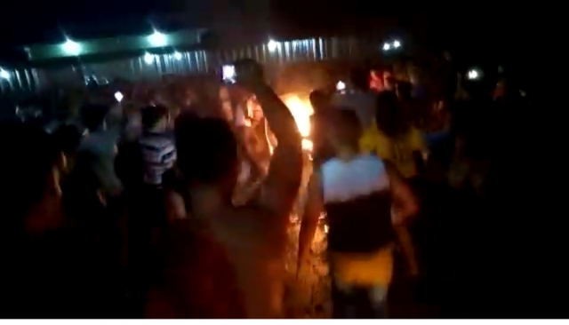 Suspeito de estupro é queimado vivo após população invadir quartel de Borba, no Amazonas