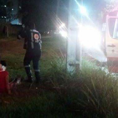 Mulher cai de moto após perder controle do veículo e fica ferida em Porto Velho