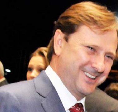 PESQUISA – ONG aponta Acir Gurgacz como o primeiro na lista de contratos públicos com doares de campanha