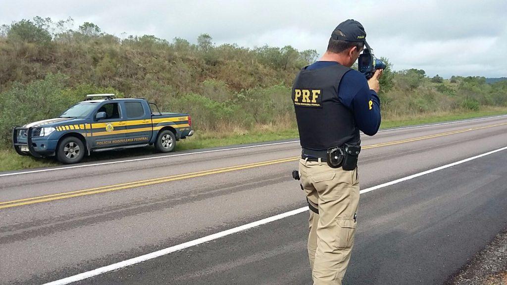 PERIGO – Motorista é flagrado á 173 km na BR-364 dentro da capital