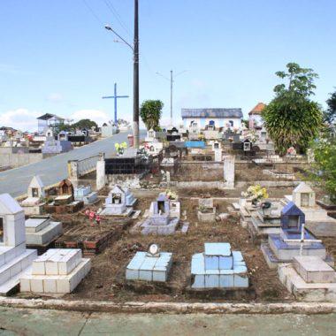 LOTADO – Perto de 100 mil sepultamentos, cemitério de Santo Antônio sofre com falta de espaço