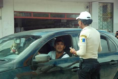 Motorista de aplicativo que for pego pela Semtran vai pagar multa de R$ 3.595,00